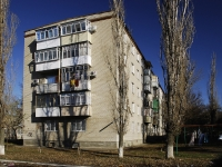 Azov, Chernomorsky alley, house 68. Apartment house