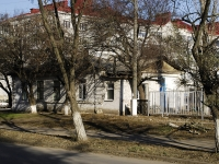 Azov, Oleg Koshevoy alley, house 55. Private house