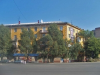 Samara, st Pobedy, house 1. Apartment house with a store on the ground-floor