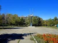 улица Аэродромная. памятник Ольге Санфировой