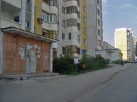 Samara, Sovetskoy Armii st, house 107. Apartment house