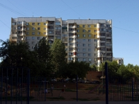 Samara, Sovetskoy Armii st, house 105. Apartment house