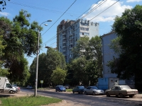 Samara, Sovetskoy Armii st, house 128. Apartment house