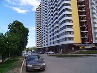 Samara, Revolyutsionnaya st, house 4. Apartment house