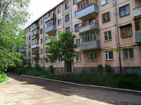 neighbour house: st. Revolyutsionnaya, house 56. Apartment house