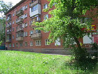 neighbour house: st. Revolyutsionnaya, house 85. Apartment house