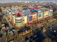 neighbour house: avenue. Kirov, house 147. retail entertainment center «VIVA LAND»