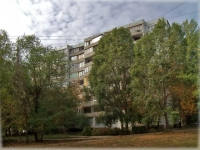 neighbour house: avenue. Kirov, house 327. Apartment house