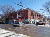 neighbour house: avenue. Metallurgov, house 31. Apartment house