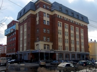 neighbour house: st. Sadovaya, house 175. office building