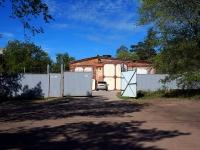 соседний дом: ул. Прибрежная (п.Прибрежный). хозяйственный корпус