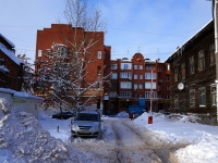 neighbour house: st. Leninskaya, house 74. Apartment house
