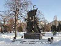 Самара, улица Маяковского. памятник православным покровителям семьи, верности и брака Петру и Февронии