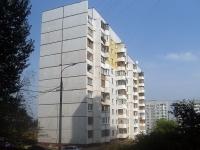 隔壁房屋: st. Antonova-Ovseenko, 房屋 61. 公寓楼