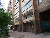neighbour house: st. Novo-Sadovaya, house 157. Apartment house