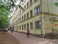 neighbour house: st. Novo-Sadovaya, house 169. Apartment house
