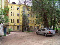 neighbour house: st. Novo-Sadovaya, house 171. Apartment house