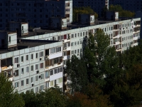 neighbour house: st. Novo-Vokzalnaya, house 215. Apartment house