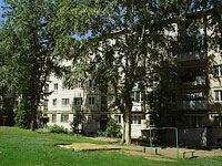 Zhigulevsk, V-1 , house 4. Apartment house