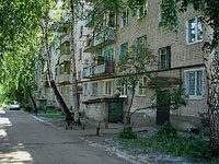 neighbour house: st. Internatsionalistov, house 36. Apartment house