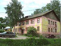 neighbour house: st. Muravlenko, house 1. Apartment house