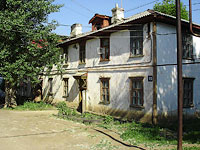 neighbour house: st. Pchtovaya, house 15. Apartment house