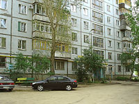 Novokuibyshevsk, Voroshilov st, house 26. Apartment house