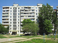 Novokuibyshevsk, Dzerzhinsky st, house 49Б. Apartment house