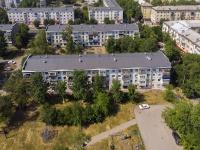 Novokuibyshevsk, st Kadomtsev, house 12. Apartment house