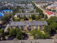 Novokuibyshevsk, st Kadomtsev, house 18. Apartment house