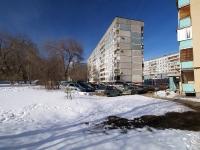 新古比雪夫斯克市, Kommunisticheskaya st, 房屋 2. 公寓楼