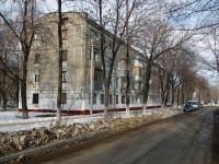 Novokuibyshevsk, st Leningradskaya, house 17. Apartment house