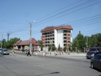 neighbour house: avenue. Pobedy, house 1Б. hotel Веста