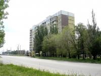 Novokuibyshevsk, st Stroiteley, house 17. Apartment house