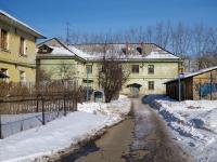 соседний дом: ул. Суворова, дом 27. многоквартирный дом