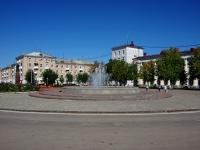 Новокуйбышевск, улица Белинского. фонтан на площади Ленина