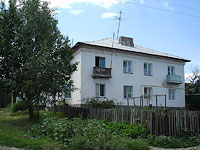 Oktyabrsk, Volgo-Donskaya st, house 4. Apartment house