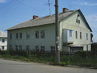 Oktyabrsk, Volgo-Donskaya st, house 5. Apartment house