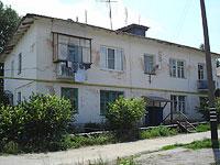 Oktyabrsk, Volgo-Donskaya st, house 16. Apartment house