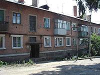 十月城, Dzerzhinsky st, 房屋 14. 公寓楼