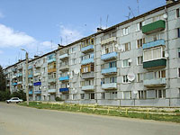 Октябрьск, улица Мичурина, дом 2. многоквартирный дом