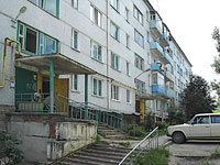 Oktyabrsk, Michurin st, house 5. Apartment house
