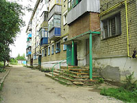 Oktyabrsk, Michurin st, house 17. Apartment house