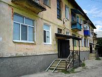 Октябрьск, улица Центральная, дом 1. многоквартирный дом