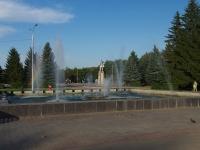 Отрадный, улица Победы. фонтан на площади перед ДК РОССИЯ