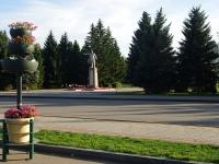 Otradny, monument В.И.ЛенинуPervomayskaya st, monument В.И.Ленину