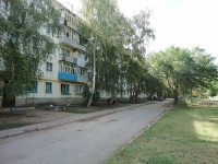 Otradny, Pionerskaya st, house 32. Apartment house