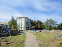 奧特拉德内, Chernyshevsky st, 房屋 11. 公寓楼