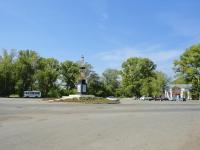 奧特拉德内, Shkolnaya st, 广场