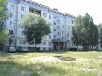 neighbour house: st. Zheleznodorozhnaya, house 74. Apartment house